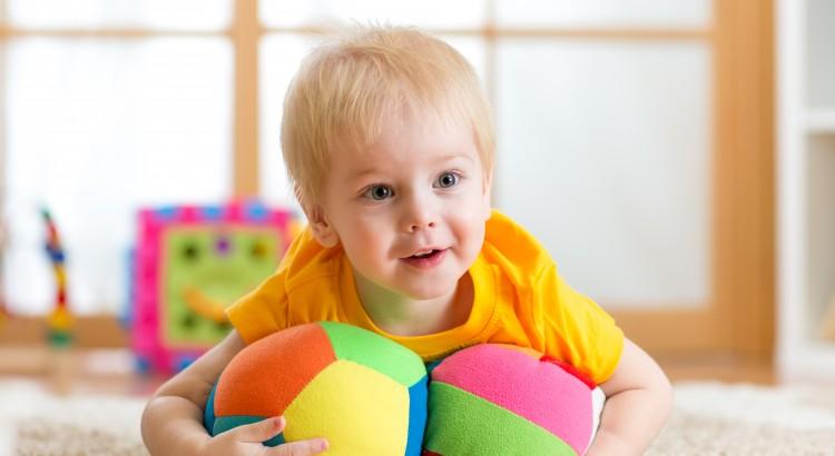 brinquedos-educativos-para-o-natal-brinquedo-pedagogico-em-curitiba-brinquedo-loja-de-brinquedo-playground-em-curitiba-caminha-empilhavel-dicas-de-brinquedos-brinquedo-de-madei